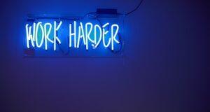 skilt - work harder